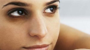 8 amazing tips on how to get rid of dark circles under the eyes